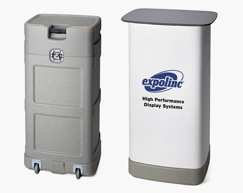 De standaard koffer vervoert een complete Pop-Up stand en wordt in een handomdraai ingezet als counter.