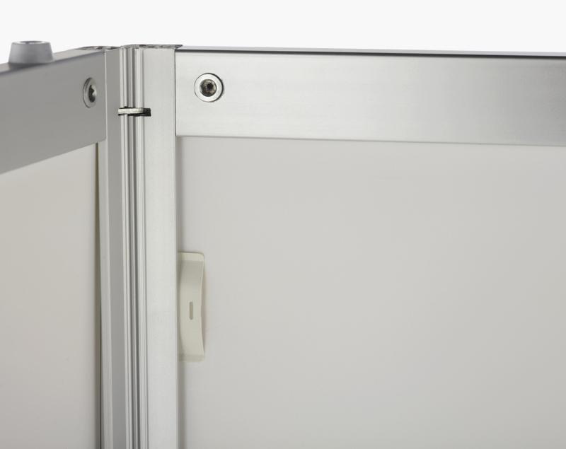 De maximale paneeldikte is 7 mm. De clips houden de panelen tot 5 mm dikte in positie.